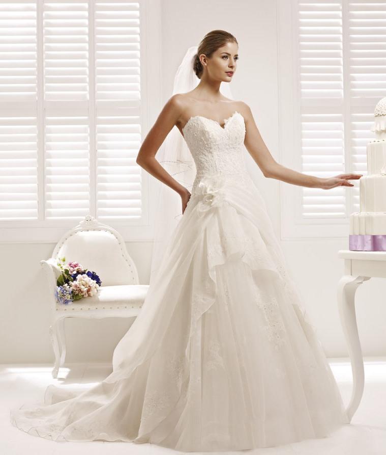 Abiti da sposa a partire da 900€ - Diemme Sposi b0019e6a260