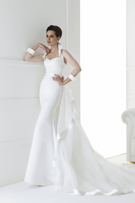 57d84792e78e I vestiti da sposa in seta si adattano perfettamente alla silhouette  femminile